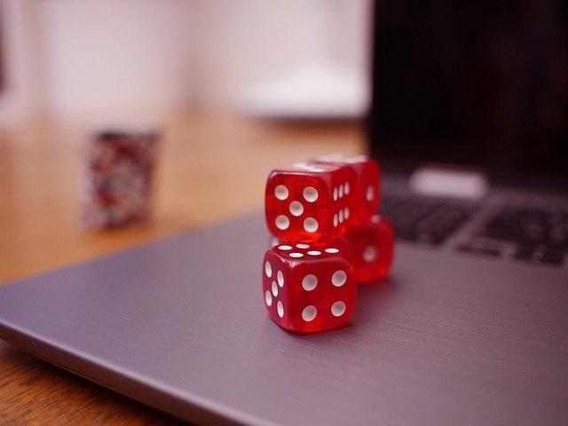 Jogos para curtir no happy hour online