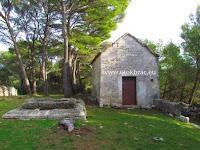 Crkvica sv. Ilija, Donji Humac, otok Brač slike
