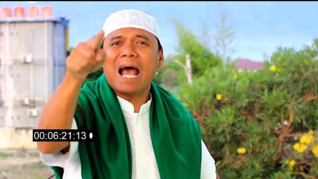 GP Ansor Sedang Siapkan Sarapan untuk Sugi Nur Raharja