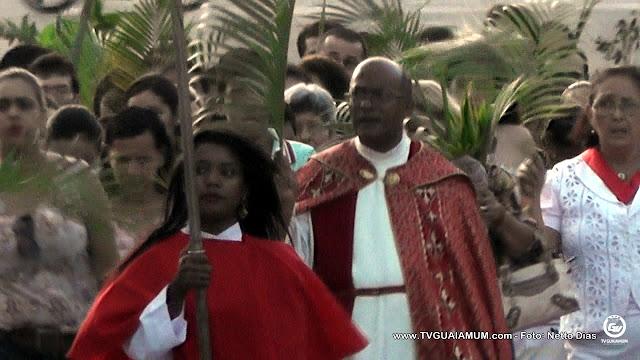 Semana Santa: Católicos Goianenses celebram a Páscoa na procissão de Ramos