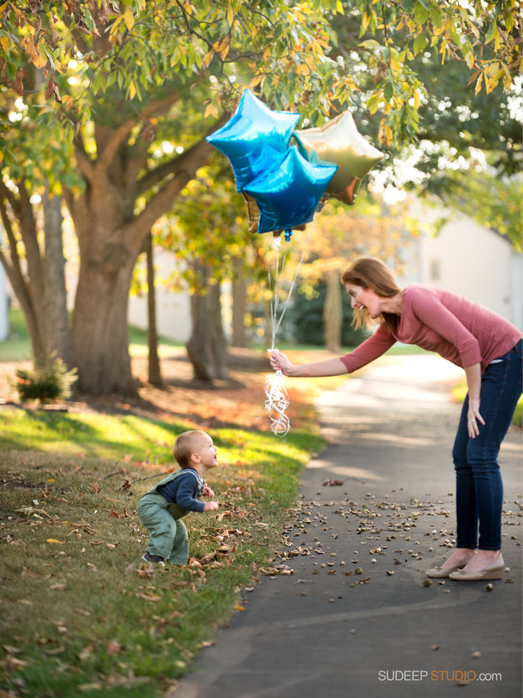1st First Birthday Baby Portrait with Balloons - SudeepStudio,com Ann Arbor Portrait Photographer