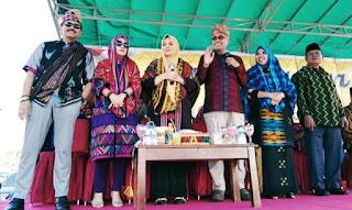 Pawai Budaya Digelar, Ribuan Peserta Penuhi Ruas Jalan Soekarno-Hatta Woha