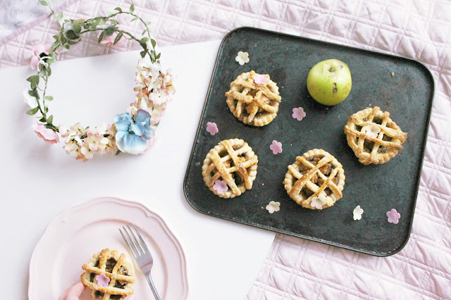 Autumn baking: Recipe for mini apple pies