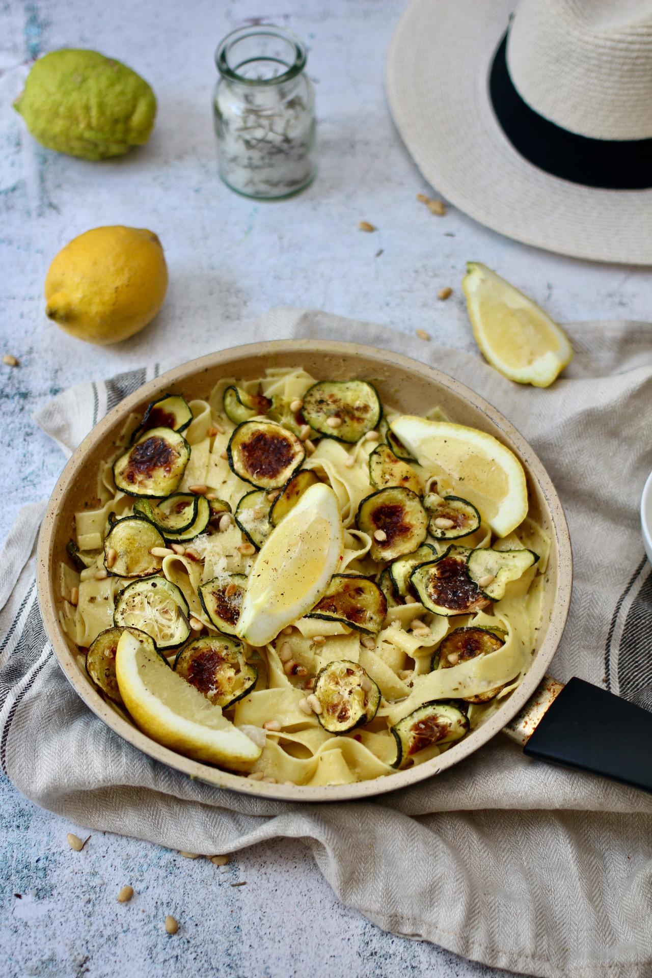 Zitronen-Zucchini-Pasta