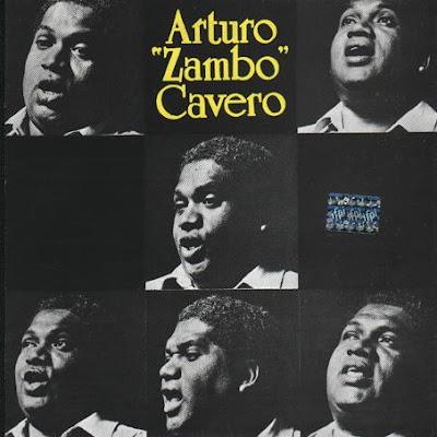 """Imagen de caras de Arturo """"Zambo"""" Cavero cantando"""