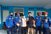 Sudin Gulkarmat Jak-Bar Berhasil Evakuasi Seekor Ular Bedudag di Cengkareng