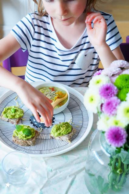 assiette végétale soupe froide toast petits pois menthe vegan healthyfood