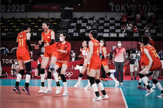 China comemora vitória contra italianas