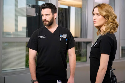 Cena do 8º episódio da 4ª temporada de Chicago Med  (Universal TV)