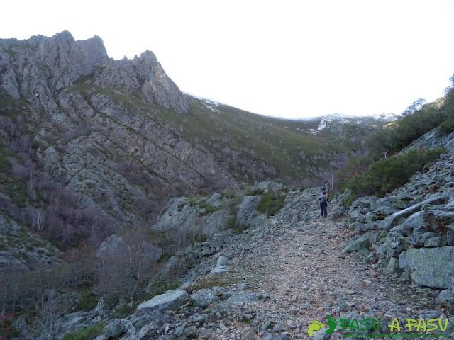 Subiendo al Valle de Langreo desde el Pozo de la Leña
