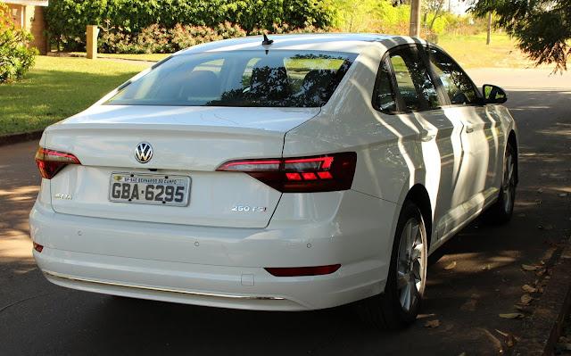 Novo VW Jetta 2019 - traseira