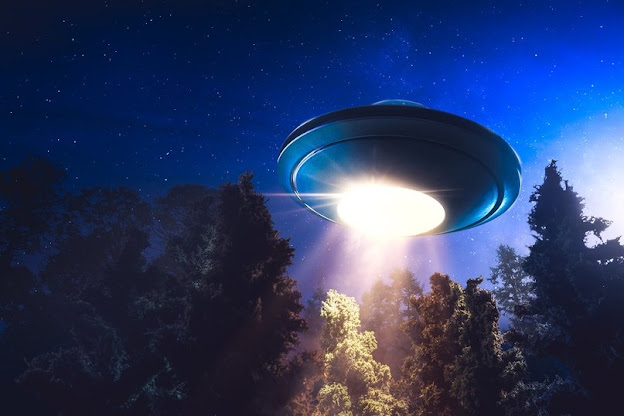 """Professor Lawrence Weis About UFOs: """"I Think There's Definitely Something Going On"""""""