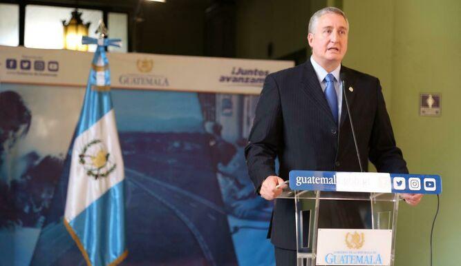 El ministro del Interior de Guatemala, Enrique Degenhart, se ha convertido en productor de droga, lo que cambia la forma de combatir a los narcotraficantes / TVN NOTICIAS