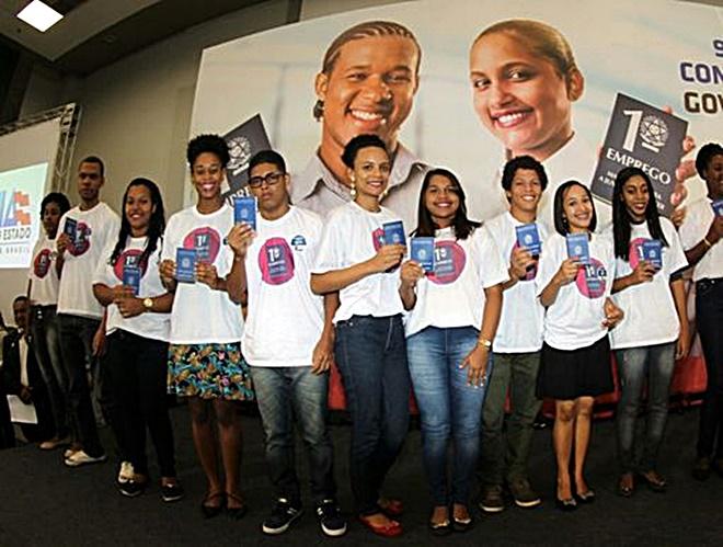 SEC-BA realiza inscrições para inserção de jovens no Programa Primeiro Emprego