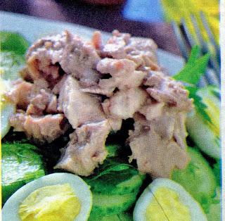 salat-iz-pecheni-treski-i-perepelinykh-yaic