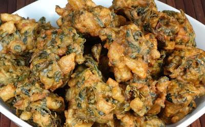 Palak (Spinach) ka Pakode Recipe - foodocon