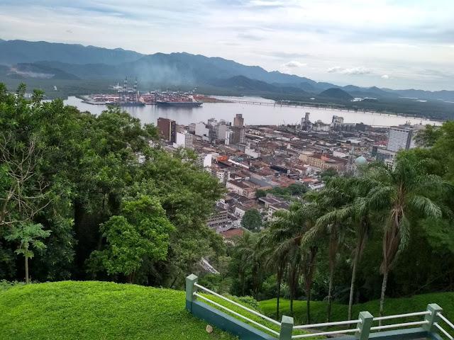Vista de Santos desde o Monte Serrat