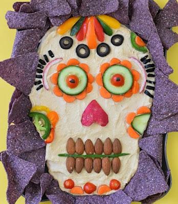 рецепты на Хэллоуин, Halloween, All Hallows' Eve, All Saints' Eve, закуски на Хэллоуин, салаты на Хэллоуин, декор блюд на Хэллоуин, оформление Хэллоуинских блюд, праздничный стол на Хэллоуин, угощение для гостей на Хэллоуин, кухня монстров, кухня ведьмы, еда на Хэллоуин, рецепты на Хллоуин, блюда на Хэллоуин, оладьи, оладьи из тыквы, тыква, праздничный стол на Хэллоуин, рецепты, рецепты кулинарные, рецепты праздничные, оладьи, тыквенные блюда, блюда из тыквы, как приготовить тыкву, Хэллоуин, на Хэллоуин, из тыквы, что приготовить на Хэллоуин, страшные блюда, блюда-монстры, 31 октября, праздники осенние, Страшные и вкусные угощения для Хэллоуина (закуски, салаты, горячее) http://prazdnichnymir.ru/