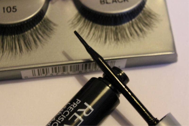 116d21a45f5 Eyelash Glue Struggles? | The Sunday Girl