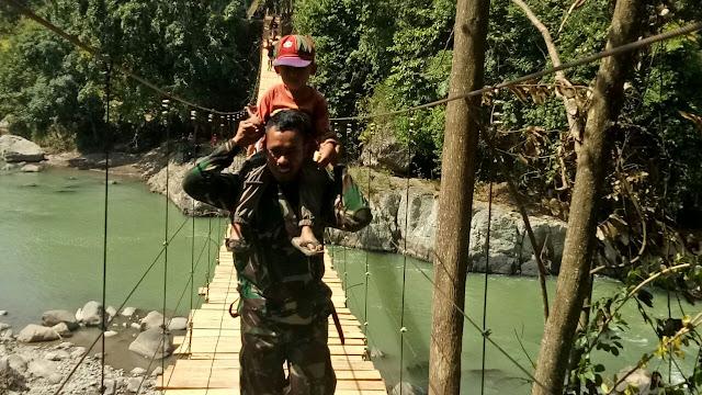 Tim Satgas TMMD Kodim Sinjai dan VRI Hanya Butuh 8 Hari Rampungkan Jembatan Gantung