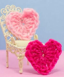 http://translate.googleusercontent.com/translate_c?depth=1&hl=es&prev=/search%3Fq%3Dhttp://theyarnbox.com%26safe%3Doff%26biw%3D1429%26bih%3D984&rurl=translate.google.es&sl=en&u=http://www.hopefulhoney.com/2013/01/love-heart-crochet-pattern.html&usg=ALkJrhgWSGsC7Ouaej3KllqtVysrzAVK-Q