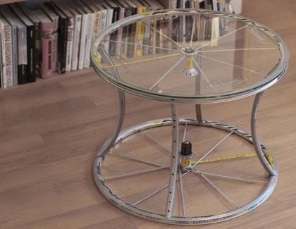 conseils d co et relooking pourquoi ne pas vous poss dez une table de v lo. Black Bedroom Furniture Sets. Home Design Ideas