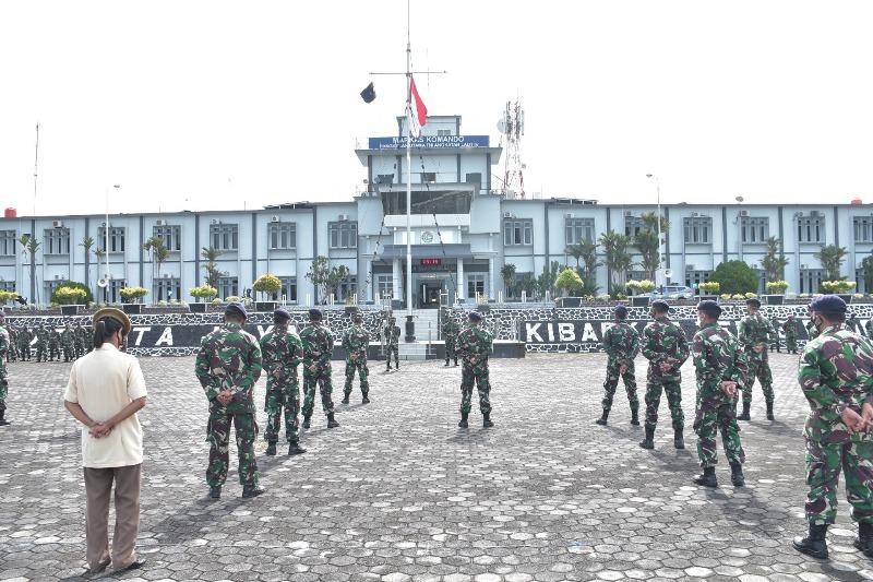 Segenap Prajurit dan PNS Lantamal IV Terima Exit Briefing dan Perkenalan WADANLANTAMAL IV
