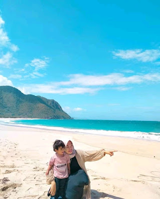 Pantai Wane : keindahan Laut Pantai Wane