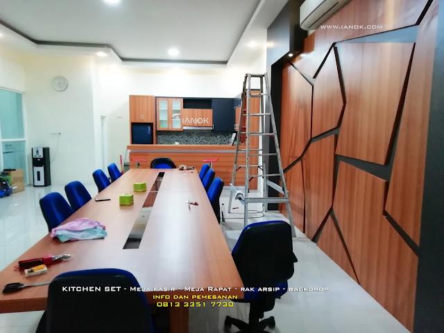 meja kasir dan backdrop sidoarjo