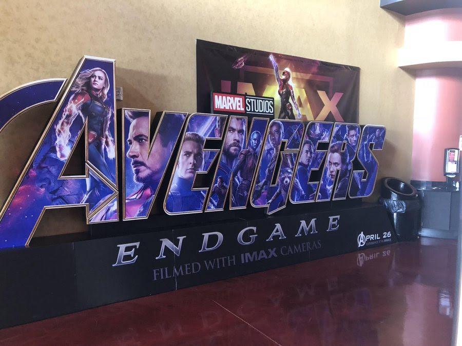 Avengers Endgame Theater Standee : マーベルのインフィニティ・サーガの完結編「アベンジャーズ : エンドゲーム」の新しいスタンディー ! !