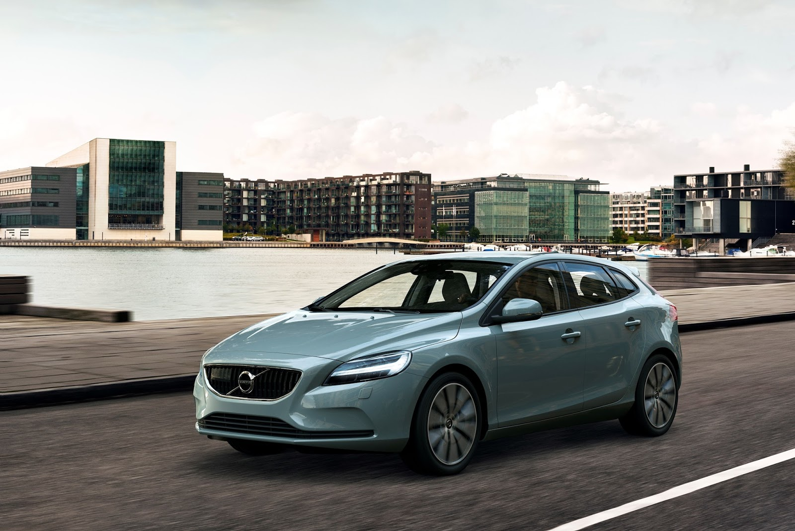 Tα Volvo V40 και V40 Cross Country