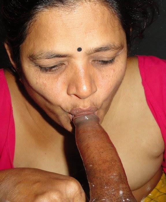 Hot Tamil Aunty Sucking Cock And Giving Blowjob Mms Hq Porn Pics