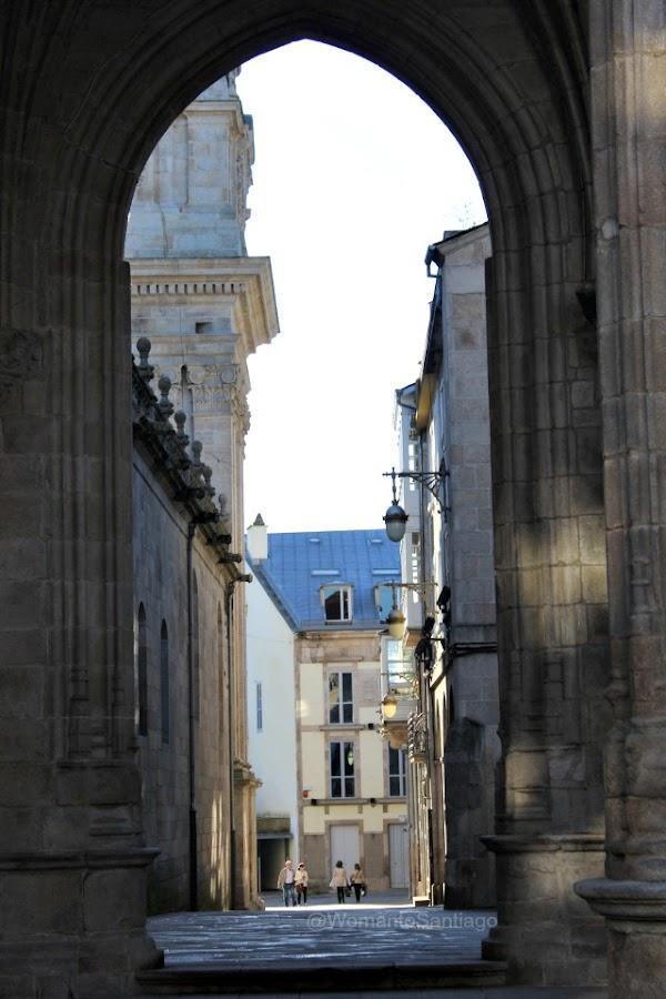 arco-catedral-lugo-camino-de-santiago-primitivo