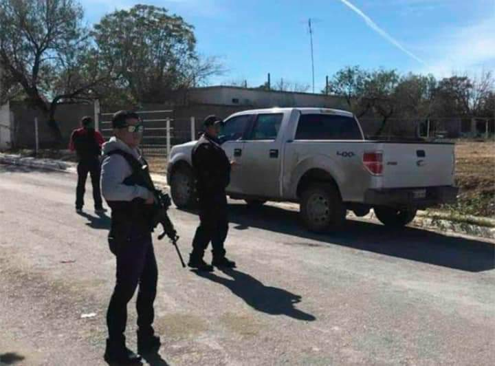 CJNG y Viagras se enfrentan en Michoacán, reportan Narcobloqueos con vehículos quemados y Narcopobladores