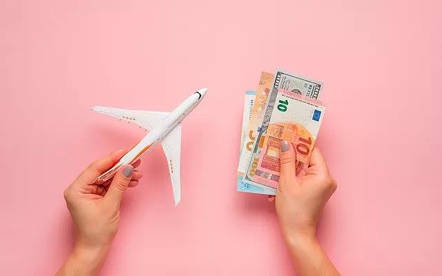 سافر بينما تجمع المال   أفضل 9 طرق للعثور على وظيفة سفر مثالية