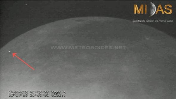 ovnis vistos en el lado oscuro de la luna
