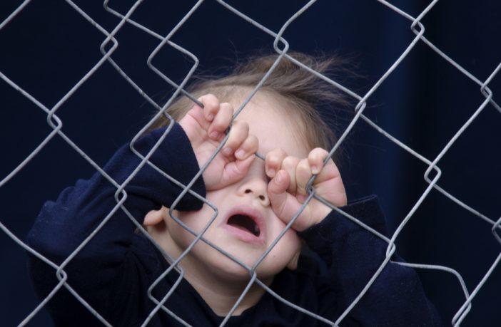 Francia: inmigrante afgano será juzgado por delitos sexuales contra una niña de 5 años