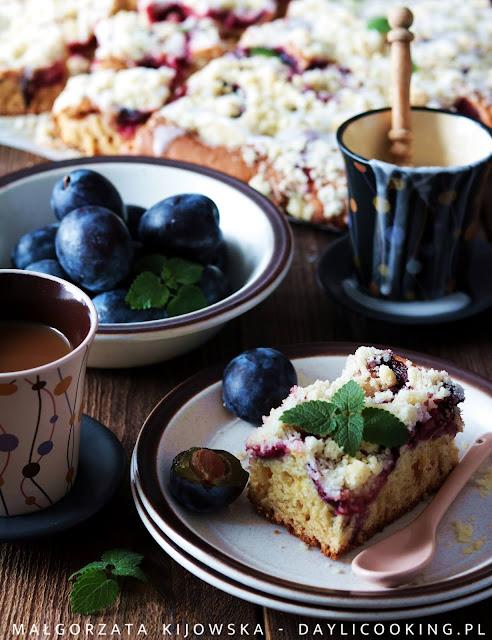 szybki przepis na ciasto maślankowe, proste ciasto maślane z owocami, przepis na ciasto z owocami, daylicooking