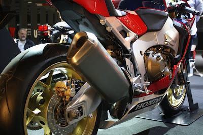 2017 Honda CBR1000RR Fireblade SP Exhasust