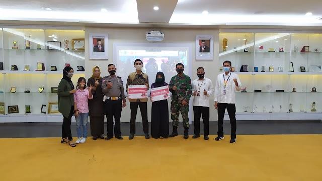 Peringati Hari Pahlawan IPC Panjang Bagikan Beasiswa Kepada Putra Putri Prajurit TNI Dan Polri