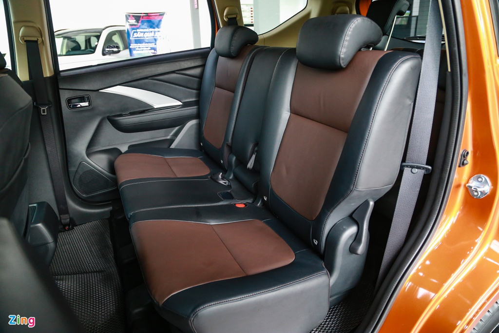 Mitsubishi Xpander Cross ra mắt, SUV 7 chỗ giá 670 triệu đồng