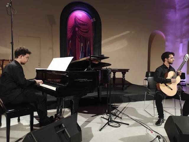 Ναύπλιο: Εξαιρετικοί οι νεαροί καλλιτέχνες Παναγιώτης Τζώρτζης και Δημήτριος Μέξης στο ρεσιτάλ κιθάρας και πιάνου