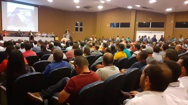 Prefeitos, parlamentares e trabalhadores do transporte alternativo e complementar de passageiros se reuniram nesta segunda-feira (2), na sede da União dos Municípios da Bahia (UPB)
