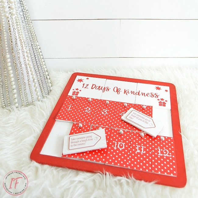 12 Days of Kindness DIY Advent Calendar by The Interior Frugalista featured at Pieced Pastimes