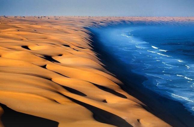 Gurun Tertua di Dunia yang Berbatasan Langsung Dengan Samudra Atlantik