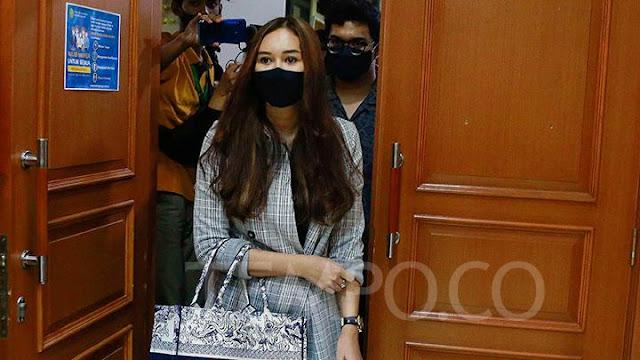 Aura Kasih Ungkap Kelegaannya Usai Bercerai dengan Eryck Amaral.lelemuku.com.jpg