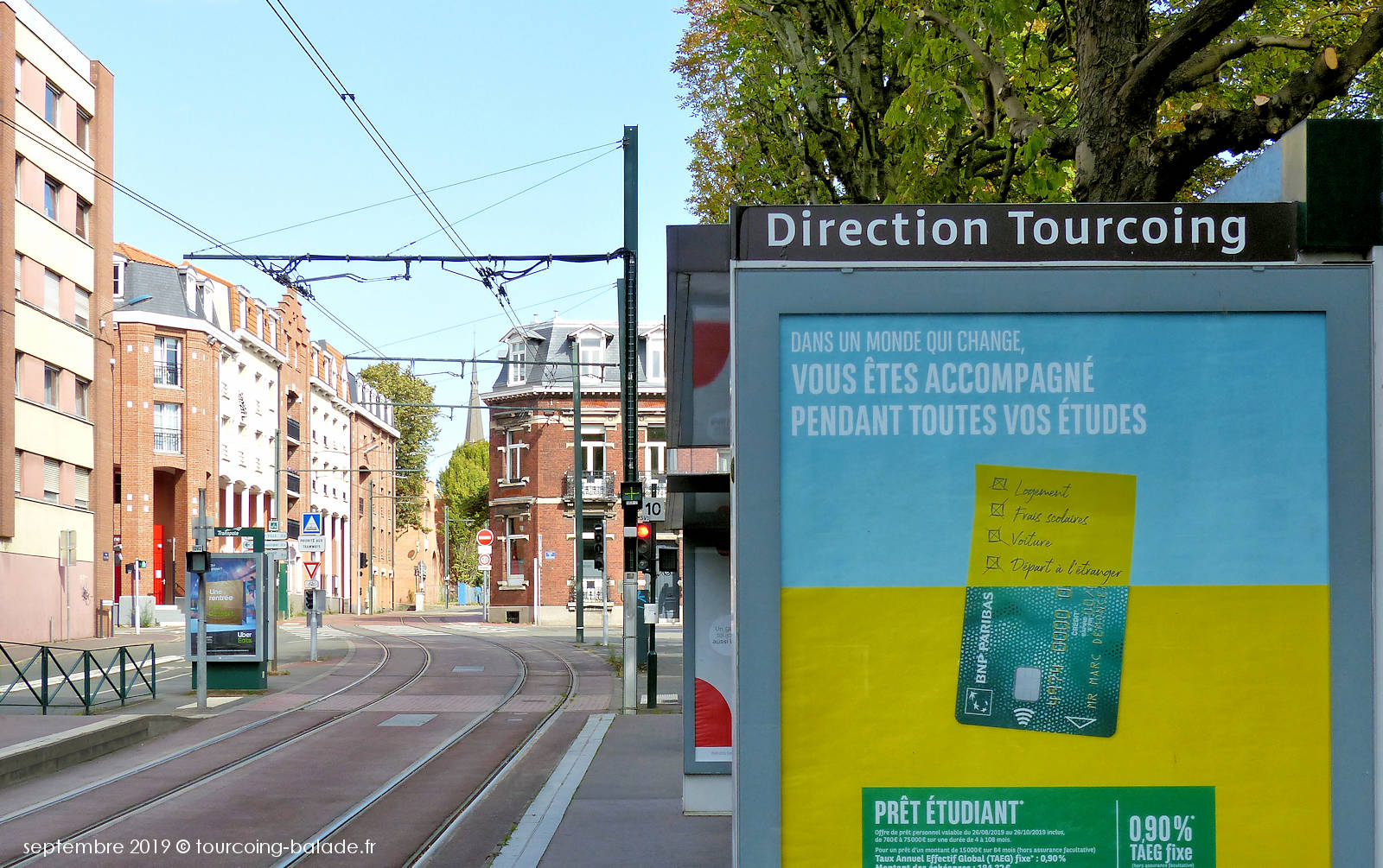"""Tramway Tourcoing - Arrêt """"Victoire""""."""