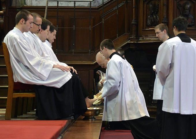 Szentmisék zárt körben, a lábmosás szertartása sok helyen elmarad