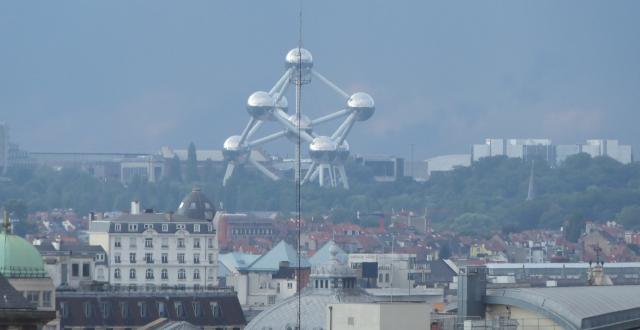Skyline de Brussel·les amb l'Atomium