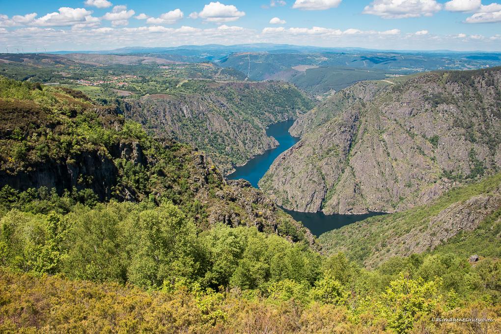 Conoce la Ribeira Sacra. 2 rutas imprescindibles para conocerla